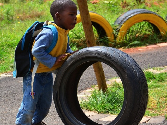Boy-with-tyre2